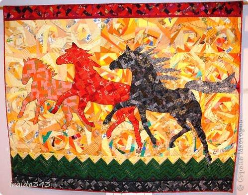Ежегодно у нас в городе проходит конкурс ДПИ. В этом году он был посвящен образу коня. На кануне года Лошади, решила показать разнообразие техник, с помощью которых можно выполнить символ будущего года. фото 1