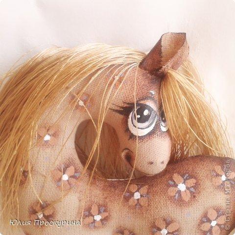 Игрушка Мастер-класс Новый год Шитьё Изготовление текстильной лошадки - символа 2014 года Ткань фото 1
