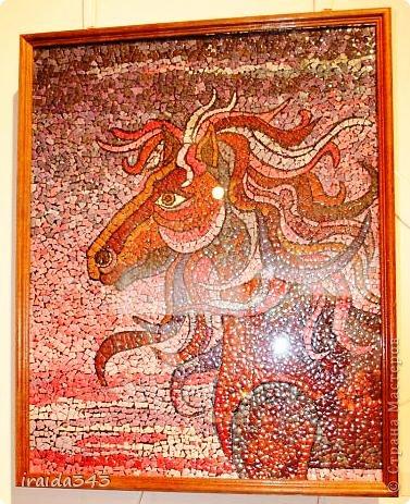 Ежегодно у нас в городе проходит конкурс ДПИ. В этом году он был посвящен образу коня. На кануне года Лошади, решила показать разнообразие техник, с помощью которых можно выполнить символ будущего года. фото 8