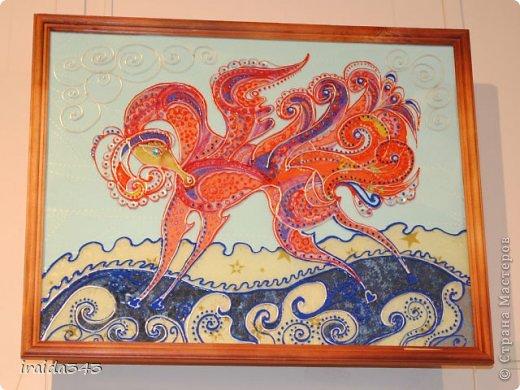 Ежегодно у нас в городе проходит конкурс ДПИ. В этом году он был посвящен образу коня. На кануне года Лошади, решила показать разнообразие техник, с помощью которых можно выполнить символ будущего года. фото 17