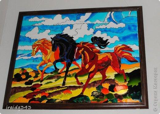 Ежегодно у нас в городе проходит конкурс ДПИ. В этом году он был посвящен образу коня. На кануне года Лошади, решила показать разнообразие техник, с помощью которых можно выполнить символ будущего года. фото 12