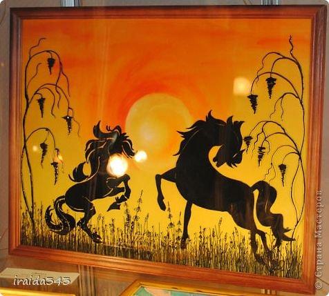 Ежегодно у нас в городе проходит конкурс ДПИ. В этом году он был посвящен образу коня. На кануне года Лошади, решила показать разнообразие техник, с помощью которых можно выполнить символ будущего года. фото 13