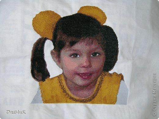 Самая оригинальная вышивка в нашей коллекции! Схема была сделана в программе Pattern Maker по фотографии, картина вышита моей мамой-злато ручкой)) фото 4