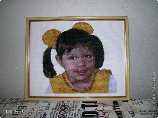 Самая оригинальная вышивка в нашей коллекции! Схема была сделана в программе Pattern Maker по фотографии, картина вышита моей мамой-злато ручкой)) фото 2