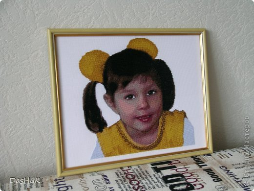 Самая оригинальная вышивка в нашей коллекции! Схема была сделана в программе Pattern Maker по фотографии, картина вышита моей мамой-злато ручкой)) фото 7