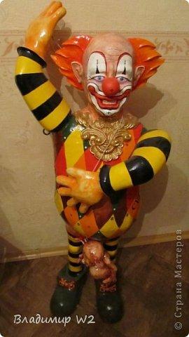 Клоун. Папье-маше. Руки на шарнирах. Высота 110 см. Вес брутто: 7 кг. фото 8