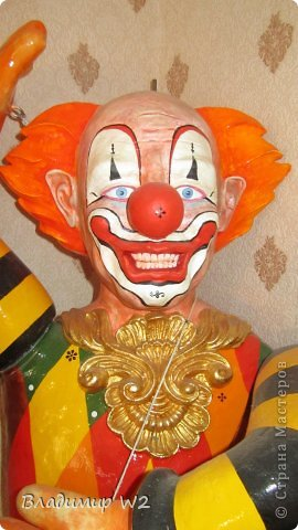 Клоун. Папье-маше. Руки на шарнирах. Высота 110 см. Вес брутто: 7 кг. фото 5