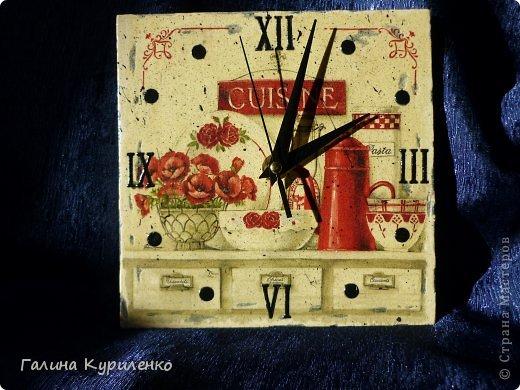 """Уважаемые жители СМ! Представляю вашему вниманию двое  часов.  Первые часы - """"Венеция"""". Распечатка, вместо цифр бусины и стеклянные «полушарики» фото 6"""
