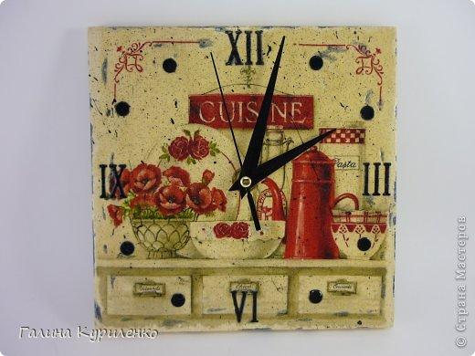 """Уважаемые жители СМ! Представляю вашему вниманию двое  часов.  Первые часы - """"Венеция"""". Распечатка, вместо цифр бусины и стеклянные «полушарики» фото 4"""