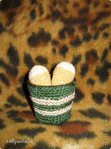 купила пупсёныша для племяшки, смастерила для него тахту и немного одёжки, чтобы не замёрз)))))) фото 7
