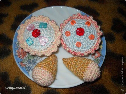 купила пупсёныша для племяшки, смастерила для него тахту и немного одёжки, чтобы не замёрз)))))) фото 4