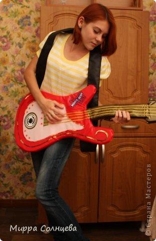 поролоновая гитара фото 11