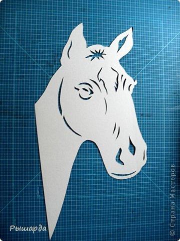 Поделка изделие Новый год Вырезание символ лошади из бумаги мой шаблон Бумага фото 2
