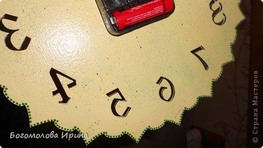 использована текстурная паста через трафарет фото 13