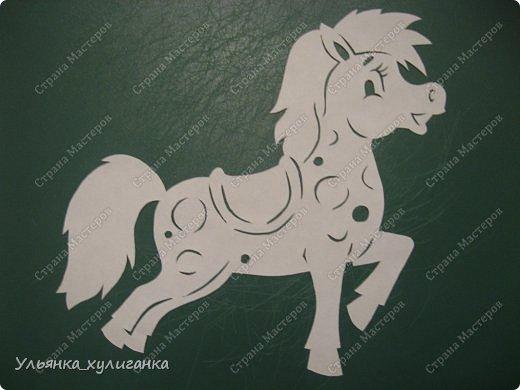 Поделка изделие Новый год Вырезание Лошади кони вытынанки Бумага фото 5