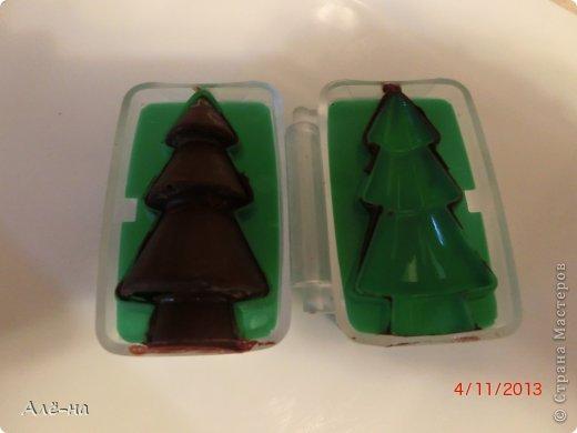 Мне подарили вот такие чудесные формы для шоколада или марципана. Решила попробовать заранее, чтобы перед праздником быть уверенной ,что они не подведут. Получились чудесные фигурки ,можно было еще украсить их ,но я так тороплюсь поделиться....)))) фото 12
