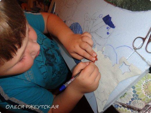 Картина панно рисунок Мастер-класс Новый год Аппликация Пэчворк В ОЖИДАНИИ ВОЛШЕБСТВА Бусинки Пенопласт Ткань фото 23