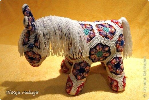 Мастер-класс Новый год Вязание МК по лошадке из мотивов африканский цветок Нитки фото 24