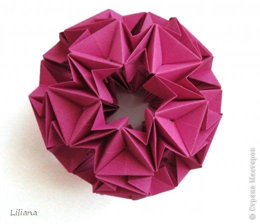Вот и мой вклад в шестую игру. Name: Allium Designer: Natalia Romanenko Units: 30 Paper: 5*10 cm (1:2) Final height: ~ 9 cm Joint: no glue  http://kusudama.info/2013/10/allium-tutorial/ http://kusudama.info/2013/10/igra-6/ фото 3