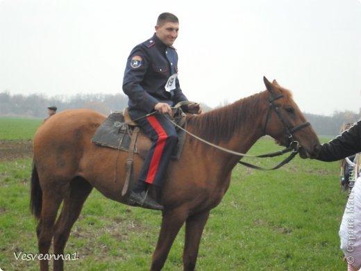 Здравствуйте! Хочу предложить сделать карусель лошадок к Новому Году. Лошадки очень простые, можно сделать с детьми и повесить на елочку. Может быть кому-то пригодится! фото 26