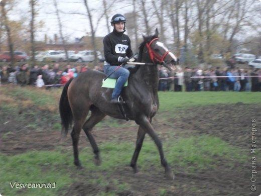 Здравствуйте! Хочу предложить сделать карусель лошадок к Новому Году. Лошадки очень простые, можно сделать с детьми и повесить на елочку. Может быть кому-то пригодится! фото 24