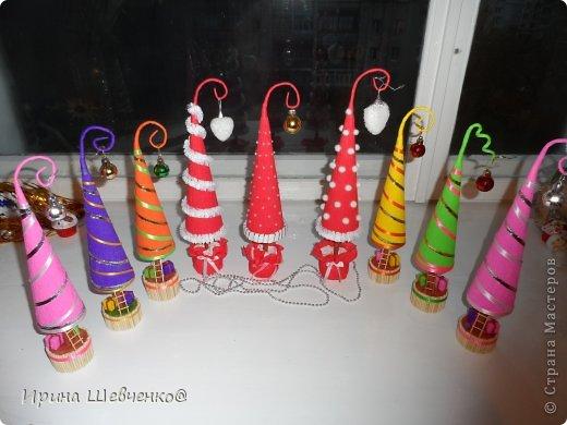 Как я делала ёлочки к Новому году, может кому-то будет интересно)  Ещё есть ёлочки раскрашенные акриловыми красками https://stranamasterov.ru/node/982599 фото 1