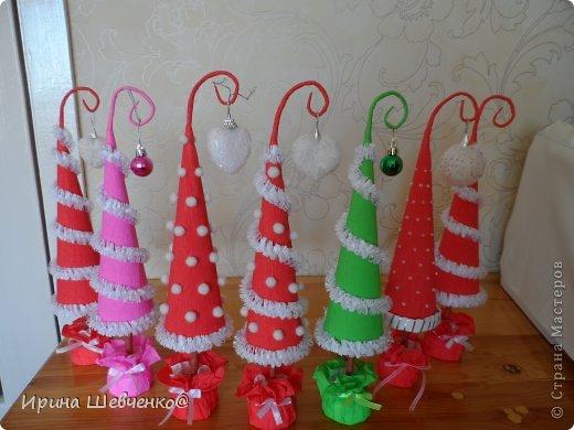 Как я делала ёлочки к Новому году, может кому-то будет интересно)  Ещё есть ёлочки раскрашенные акриловыми красками http://stranamasterov.ru/node/982599 фото 2