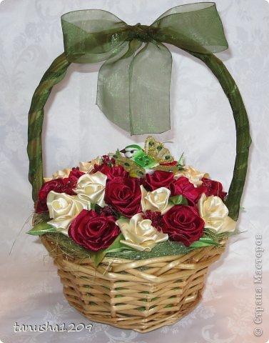 Как сделать корзину с розами из лент