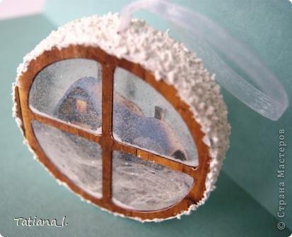 Задекорирована бобина от скотча. Внутри вырезанная распечатанная картинка. фото 4