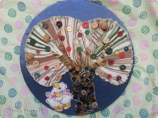 """Девочки, дорогие мои, здравствуйте! Сегодня я хочу показать вам часть работ из нашего проекта """"Веселая пуговица"""".  В первой части - панно.  На каждое панно пришито по 101 пуговице. Никаких примет и предрассудков нет, это всего лишь мои причуды... Панно №1 """"Спелое яблоко"""" фото 8"""