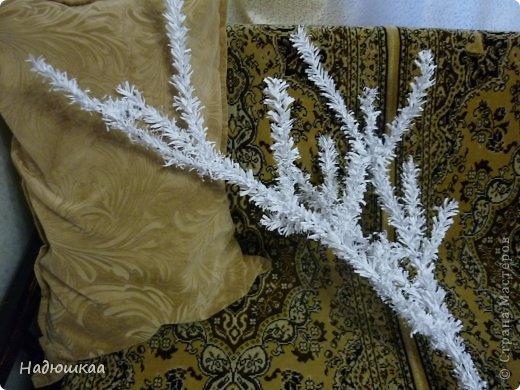 """...ИЛИ  ТАКА  СОБИ  ДИВКА - МОРОЗЯКА !  Рада приветствовать всех мастеров и мастериц этой замечательной Страны !  Ноябрь скоро закончится, на носу зима...  А за окном  - плюс 8... Хризантемы цветут буйным цветом ! Дождёмся ли мы снега и инея в этом году , ещё не известно... Для нас дождь и грязь на Новый год - частое явление. И под радостные вопли : """"Нам ли быть в печали!"""" побежала создавать иней для украшения комнат и подъезда... фото 1"""