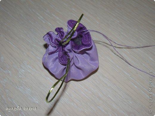 Предлагаю вам сделать вот такие простые маленькие сумочки для кукол. На одну сумочку уходит, примерно, 15-20 минут. Это как раз, один из тех вариантов, когда надо быстро сделать какой нибудь аксессуарчик для нашей куколки. фото 12
