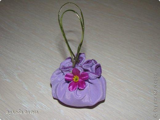 Предлагаю вам сделать вот такие простые маленькие сумочки для кукол. На одну сумочку уходит, примерно, 15-20 минут. Это как раз, один из тех вариантов, когда надо быстро сделать какой нибудь аксессуарчик для нашей куколки. фото 13