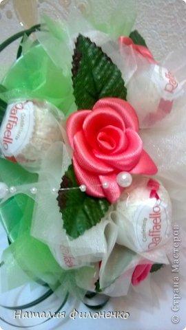 Это мой первый ручной букетик из конфет.  фото 8