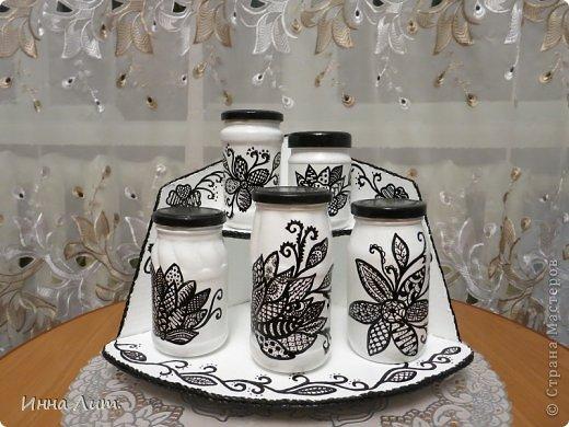 Приветствую вас ,жители страны.Не любят в моей семье чай в пакетиках.Только рассыпной,и кофе молотый.И решила я сделать набор для всех этих напитков.По причине того,что сейчас увлечена зентанглом,вопросов не возникло в каком стиле делать баночки.(а было у меня много всяких из под грибов,огурчиков) фото 2