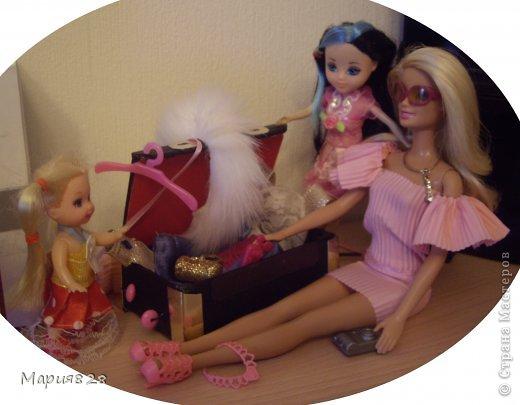 На улице холодно и сыро и наши куколки решили отправиться в жаркие страны и для этой цели прикупили чемодан. фото 16