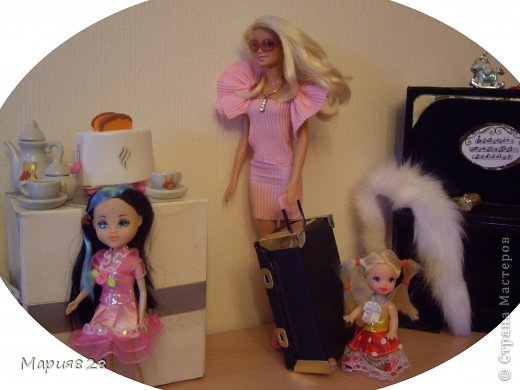 На улице холодно и сыро и наши куколки решили отправиться в жаркие страны и для этой цели прикупили чемодан. фото 19