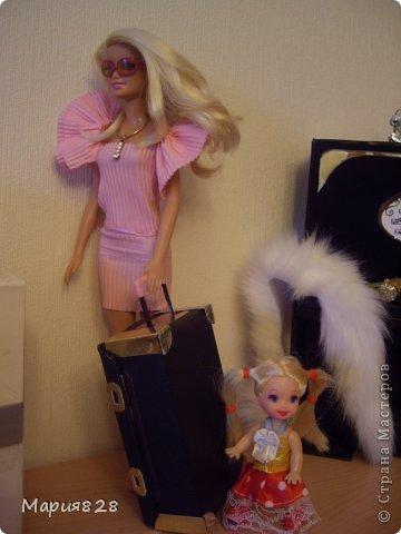 На улице холодно и сыро и наши куколки решили отправиться в жаркие страны и для этой цели прикупили чемодан. фото 3