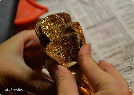 Мастер-класс Поделка изделие Новый год Рождество Моделирование конструирование Шишка из яичных лотков МК Материал бросовый фото 17
