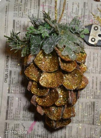 Мастер-класс Поделка изделие Новый год Рождество Моделирование конструирование Шишка из яичных лотков МК Материал бросовый фото 34
