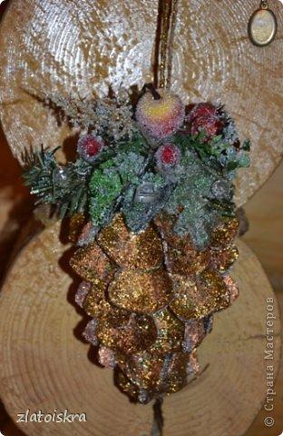 Мастер-класс Поделка изделие Новый год Рождество Моделирование конструирование Шишка из яичных лотков МК Материал бросовый фото 41