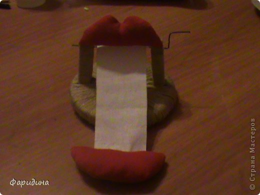 Мастер-класс Моделирование конструирование Губозакаточная машинка Картон гофрированный Клей Нитки Ткань фото 26