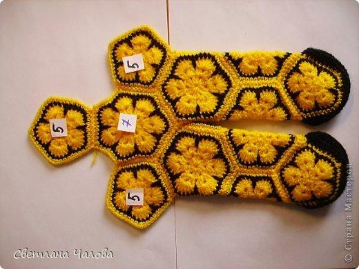Мастер-класс Вязание крючком МК Жирафик по имени Ирис в технике африканский цветок  Пряжа фото 15