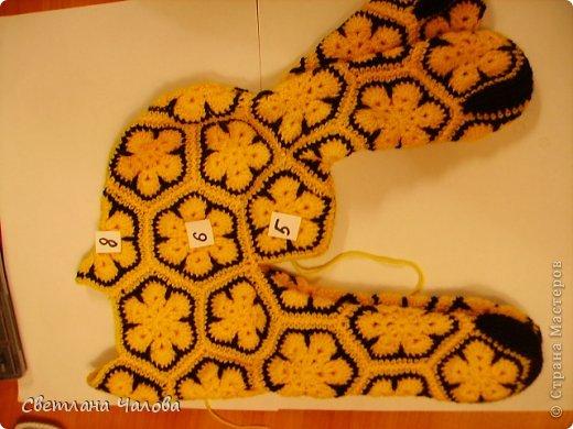 Мастер-класс Вязание крючком МК Жирафик по имени Ирис в технике африканский цветок  Пряжа фото 19