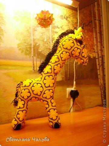 Мастер-класс Вязание крючком МК Жирафик по имени Ирис в технике африканский цветок  Пряжа фото 1