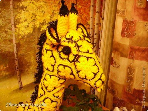 Мастер-класс Вязание крючком МК Жирафик по имени Ирис в технике африканский цветок  Пряжа фото 3