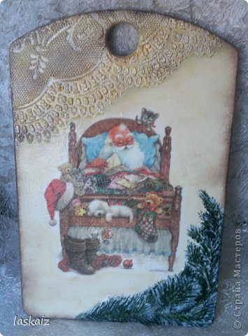 """Добрый вечер всем! Сегодня представляю очередные новогодние работы. Почему-то все фото особо не хороши по качеству,но уж как есть. Итак, первые доски-новогодние """"Морозные старички"""", в жизни достаточно яркие, все фактурные части-шпатлевка, рисовая бумага. фото 3"""