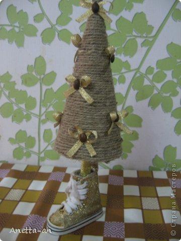 Мастер-класс Поделка изделие Новый год Моделирование конструирование Конус для елочки и моя первая этом году красавица Картон Конусы Кофе Шпагат фото 1