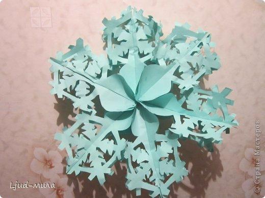 Объемная снежинка Бумага