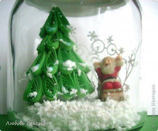 """Снежная баночка """"Как Дед Мороз нашел подходящую елочку"""" фото 3"""